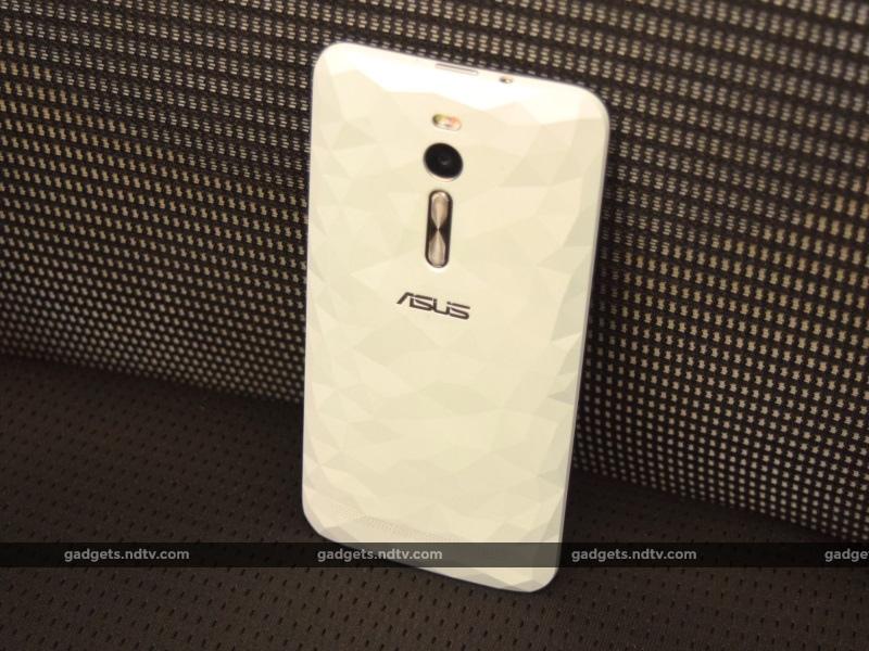 asus_zenfone2_deluxe_back_ndtv.jpg - Asus ZenFone 2 Deluxe Review