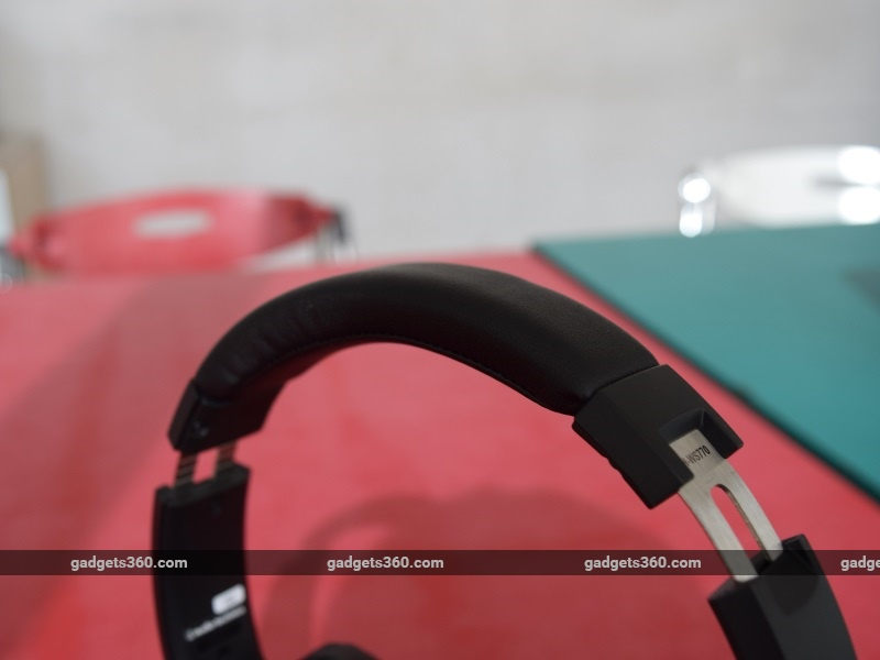 audio_technica_athws770is_band2_ndtv.jpg - Audio Technica ATH-WS770iS