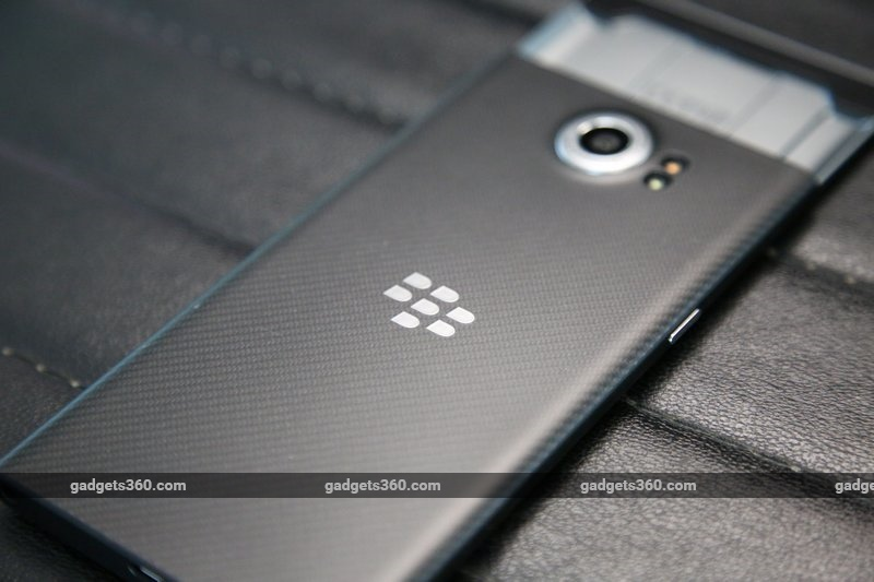 blackberry_priv_rear_ndtv.jpg - BlackBerry Priv