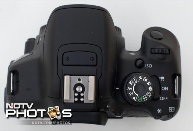 Canon EOS 700D review 1