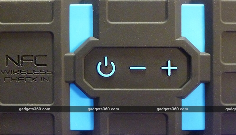 lifejacket_buttons.jpg