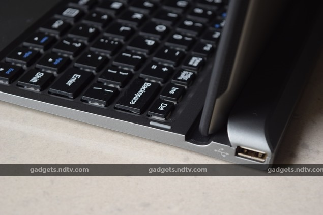 micromax_canvas_laptab_lt666_usb_ndtv.jpg