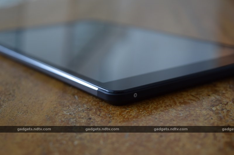 micromax_canvas_tab_p690_lowercorner_ndtv.jpg - Micromax Canvas Tab P690 Review: Only For Entertainment