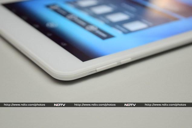milagrow_m2_pro_3g_buttons_ndtv.jpg - Milagrow M2 Pro