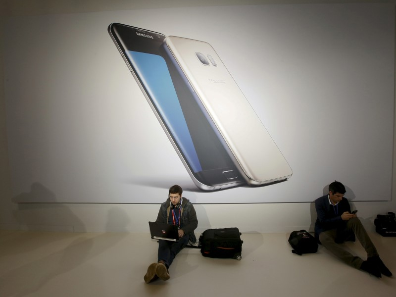 mwc_samsung_galaxy_event_reuters.jpg - MWC 2016