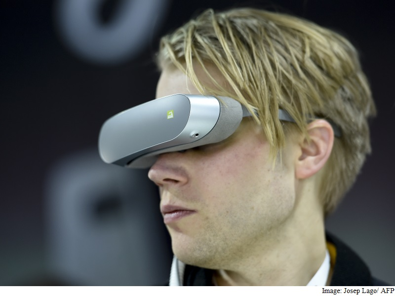 MWC 2016: Samsung, LG Improve Smartphone Cameras, Turn to Virtual Reality
