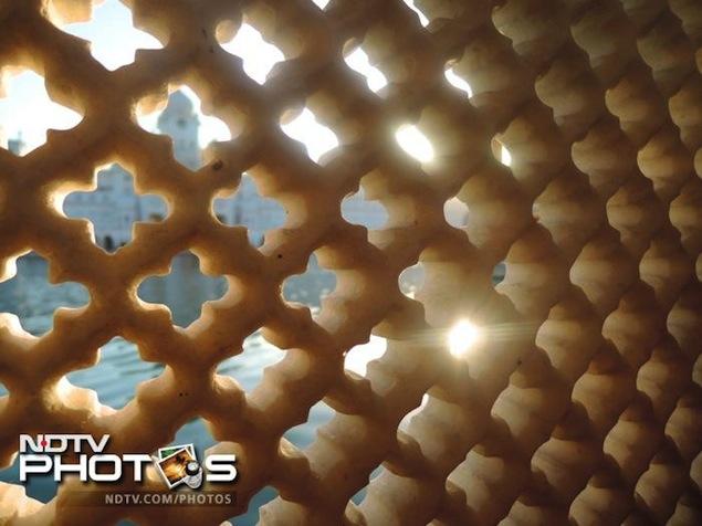 Nikon Coolpix P330 review 12
