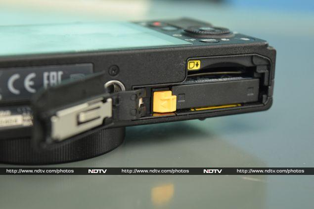 nikon_coolpix_p340_battery_ndtv.jpg - Nikon Coolpix P340 Review: Slim, Fast And Powerful