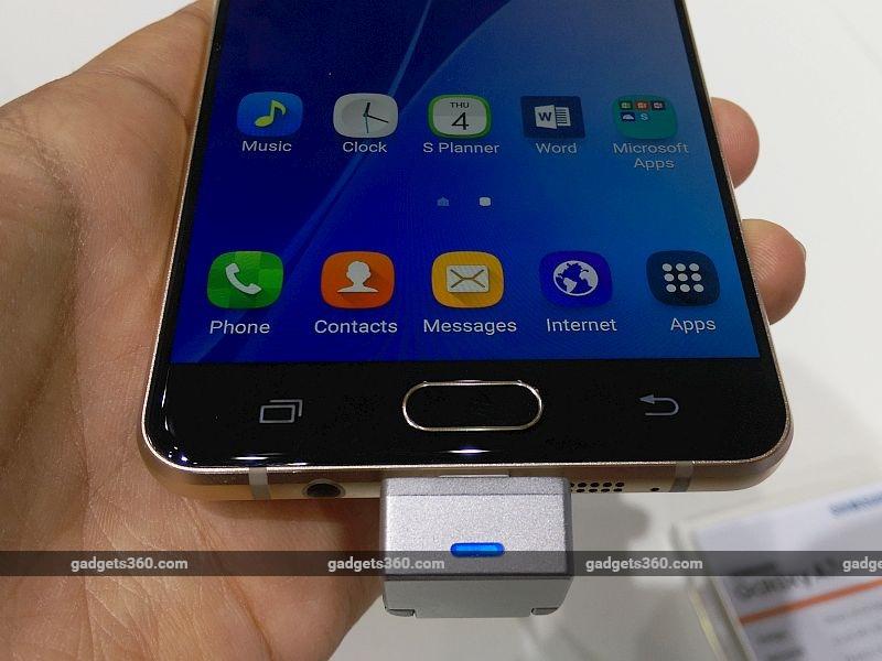 samsung_galaxy_a7_2016_home_button_ndtv.jpg - Samsung Galaxy A7