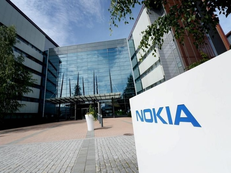 side_nokia_reuters